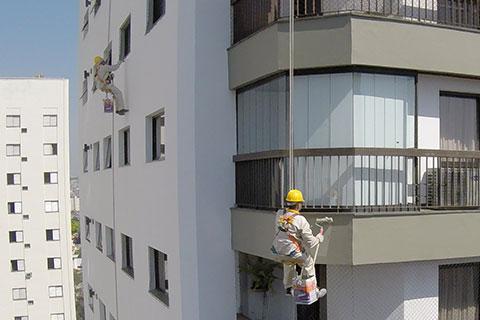 Pintura de fachada em condomínios tem regras