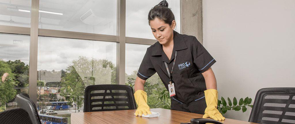 Por que contratar um serviço de limpeza profissional?